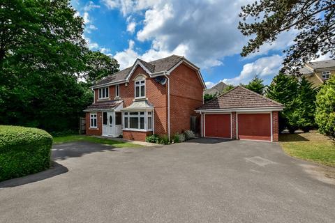 4 bedroom detached house for sale - Hurworth Avenue, Langley, SL3