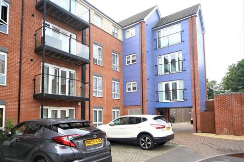 2 bedroom flat for sale - Chadwick Road, Langley, SL3