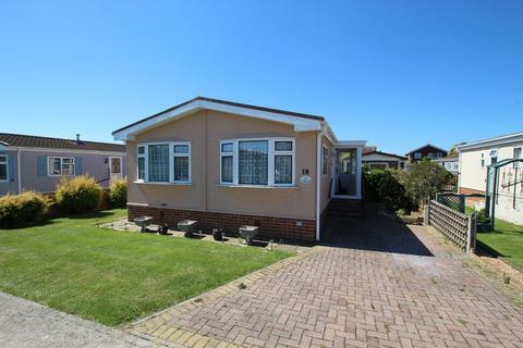 2 bedroom bungalow for sale - Orchard Park, Reculver Road, Herne Bay
