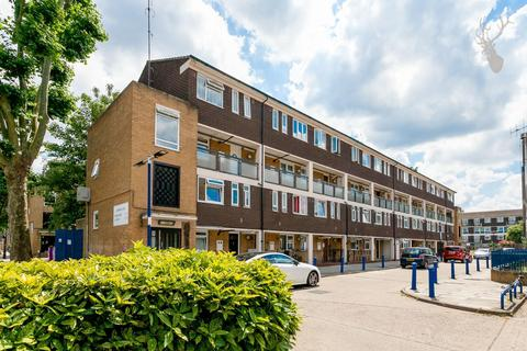 3 bedroom duplex for sale - Lawrence Close, London