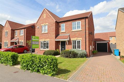 4 bedroom detached house for sale - Chatsworth Drive, Elloughton, Brough
