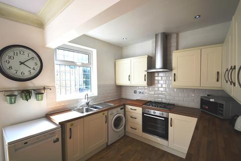 3 bedroom semi-detached house to rent - Bostall Hill, Abbey Wood, London, SE2