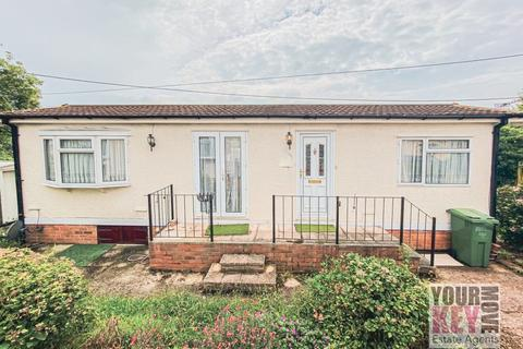 1 bedroom bungalow for sale - Prince Of Wales Residential Park, Hythe CT21