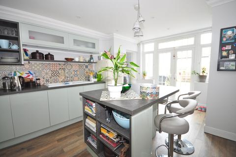 3 bedroom detached house to rent - Wadham Road Portsmouth PO2