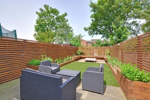 4 bedroom terraced house for sale - Eastcombe Avenue, Charlton, London, SE7