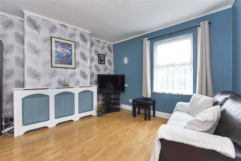 2 bedroom apartment for sale - Heath Road, Twickenham, TW2