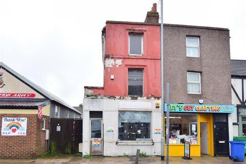 2 bedroom ground floor maisonette for sale - High Street, Sheerness, Kent