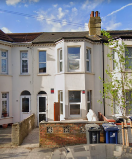 4 bedroom terraced house to rent - HAMMOND ROAD SOUTHALL