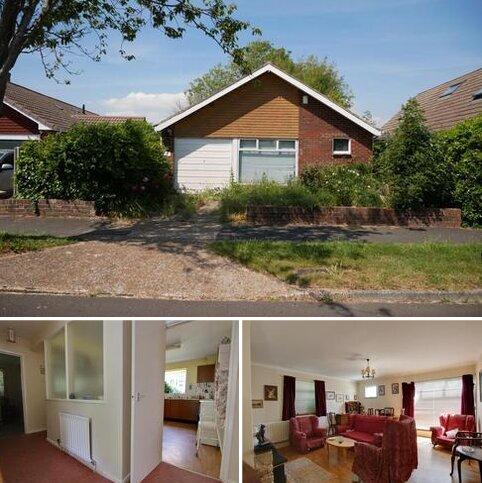 2 bedroom detached bungalow for sale - LEAMINGTON CRESCENT, LEE-ON-THE-SOLENT - AUCTION GUIDE PRICE £275,000
