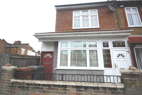 4 bedroom end of terrace house to rent - Clarence Road, Walthamstow