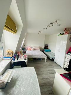 1 bedroom flat to rent - Uxbridge Road, W12