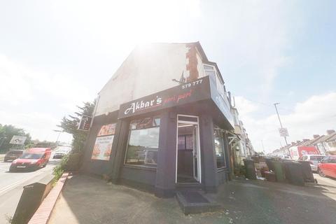 Takeaway for sale - Carisbrooke Road, Luton LU4