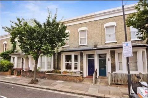 4 bedroom terraced house to rent - Sterne Street, Shepherds Bush, W12 8AB