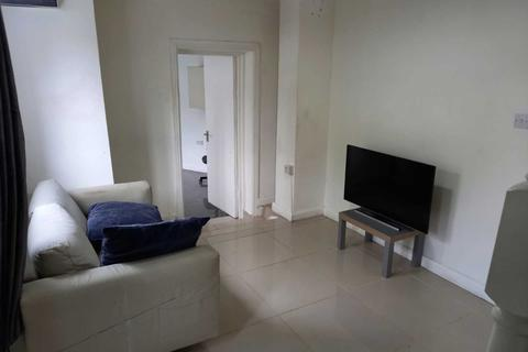 3 bedroom semi-detached house to rent - Berryway, South Ealing