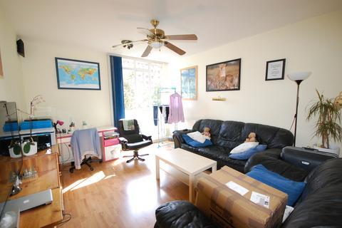 1 bedroom flat to rent - Hallfield Estate, London W2