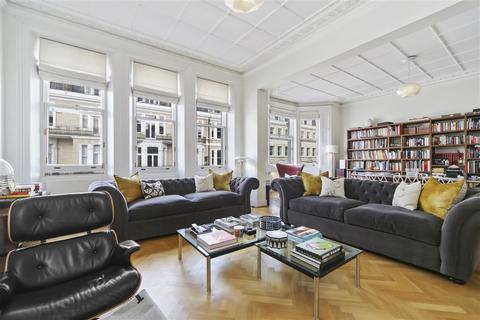 4 bedroom flat to rent - De Vere Gardens, W8