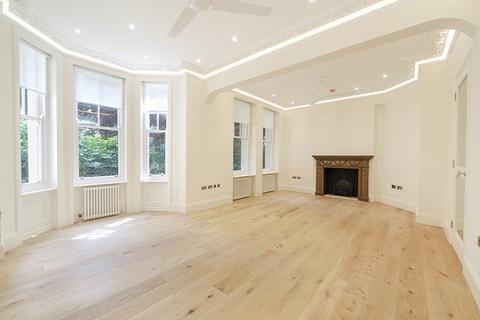 3 bedroom apartment to rent - Fitzjames Avenue London W14