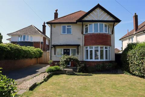 5 bedroom detached house to rent - Meon Road, Bournemouth, Dorset, BH7