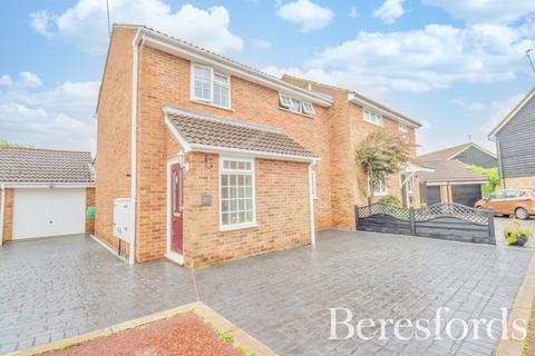 3 bedroom semi-detached house for sale - Brocksparkwood, Brentwood, Essex, CM13