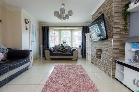 3 bedroom semi-detached house for sale - Eastdown, Castleford, WF10 4SG