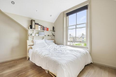 2 bedroom flat for sale - Marlborough Road, Chiswick