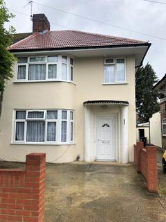 3 bedroom semi-detached house to rent - Thorncliffe Road, UB2