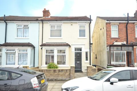 3 bedroom terraced house for sale - Locarno Road, Portsmouth, Hampshire, PO3