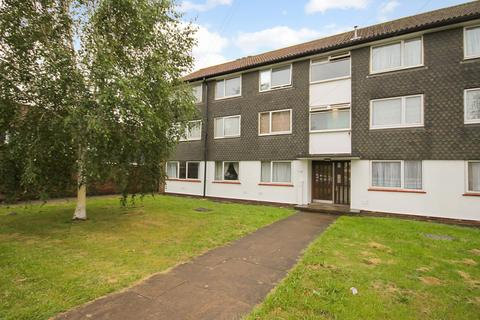 2 bedroom flat for sale - The Dell, Feltham, TW14