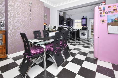 4 bedroom end of terrace house for sale - Franklyn Street, Hanley, Stoke-on-Trent