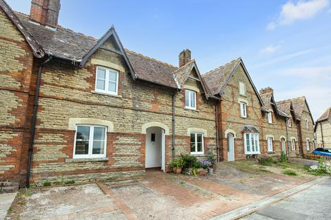 2 bedroom terraced house for sale - Prospect Square, Westbury