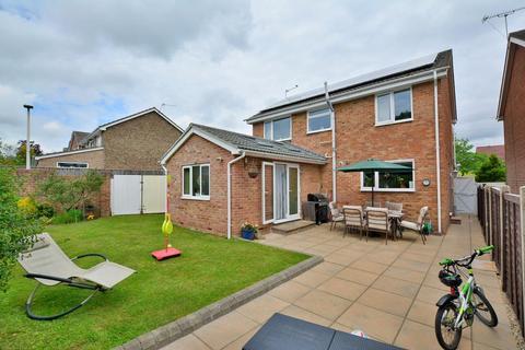 5 bedroom detached house for sale - King John Avenue, Bearwood, Bournemouth, BH11 9TE