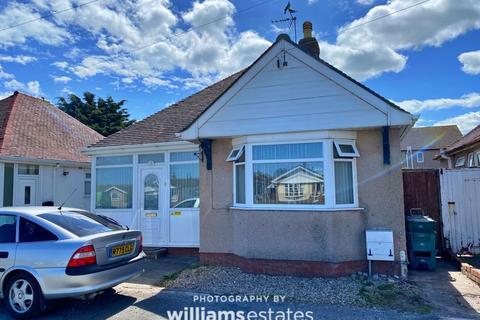 2 bedroom detached bungalow for sale - Foryd Road, Rhyl
