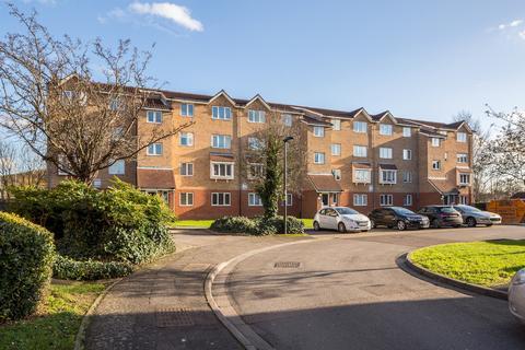 1 bedroom flat to rent - 73 Dunnock Close