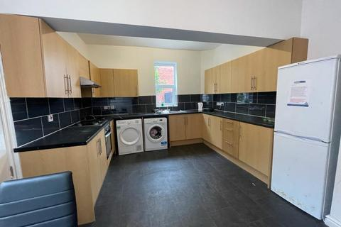 5 bedroom house share to rent - Railway Road, Leigh, Wigan