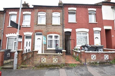 2 bedroom terraced house for sale - Dallow Road, Luton