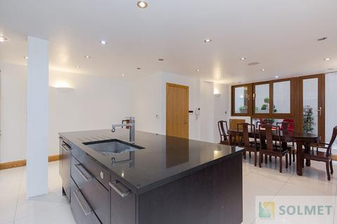 3 bedroom terraced house to rent - Bendall Mews, Marylebone, London NW1