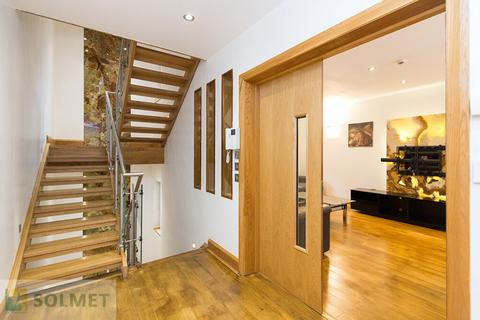 4 bedroom terraced house to rent - Bendall Mews, Marylebone, London NW1