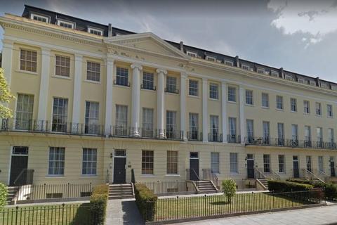 2 bedroom property to rent - Grosvenor House, Cheltenham