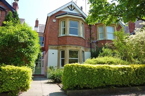 5 bedroom house to rent - Keynsham Road GL53 7PX