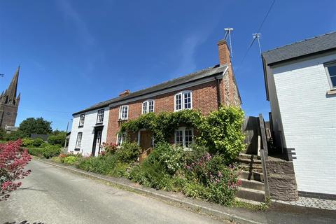 3 bedroom semi-detached house for sale - Church Road, Hereford