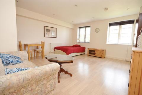 Studio to rent - John Street, Central Luton
