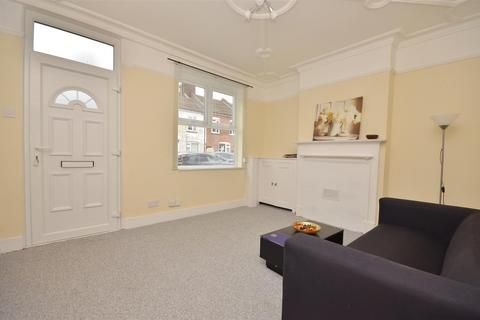 4 bedroom terraced house to rent - Edward Street, Luton