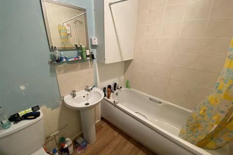 2 bedroom flat for sale - Beatty House, Compass Road, Hull