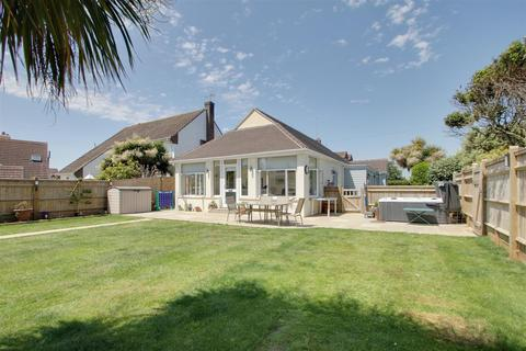 3 bedroom detached bungalow for sale - West Drive, Ferring, Worthing