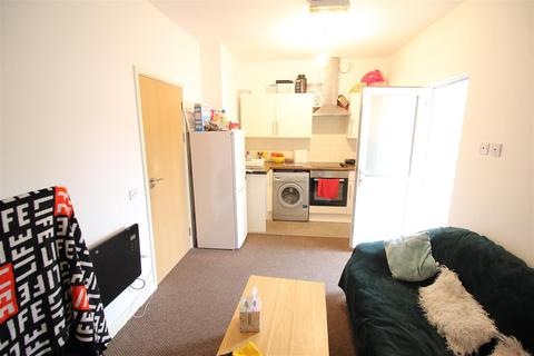2 bedroom flat to rent - Moira Street, Adamsdown, Cardiff