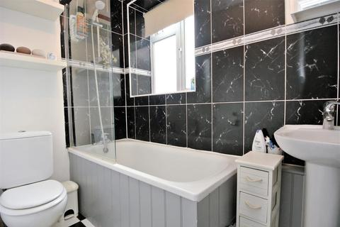 1 bedroom flat for sale - Clyde Road, Staines-Upon-Thames