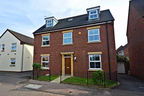 5 bedroom detached house to rent - Windfall Way, Longlevens