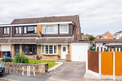 3 bedroom semi-detached house for sale - Redwood Avenue, Leyland