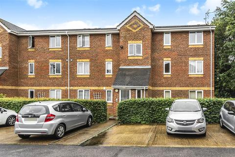 2 bedroom flat for sale - Walpole Road, Cippenham