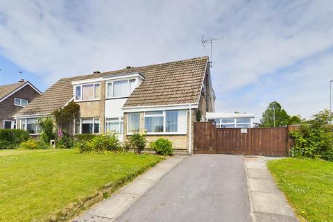3 bedroom semi-detached house for sale - Harewood Avenue, Bridlington